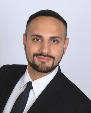 Abraham Halik headshot
