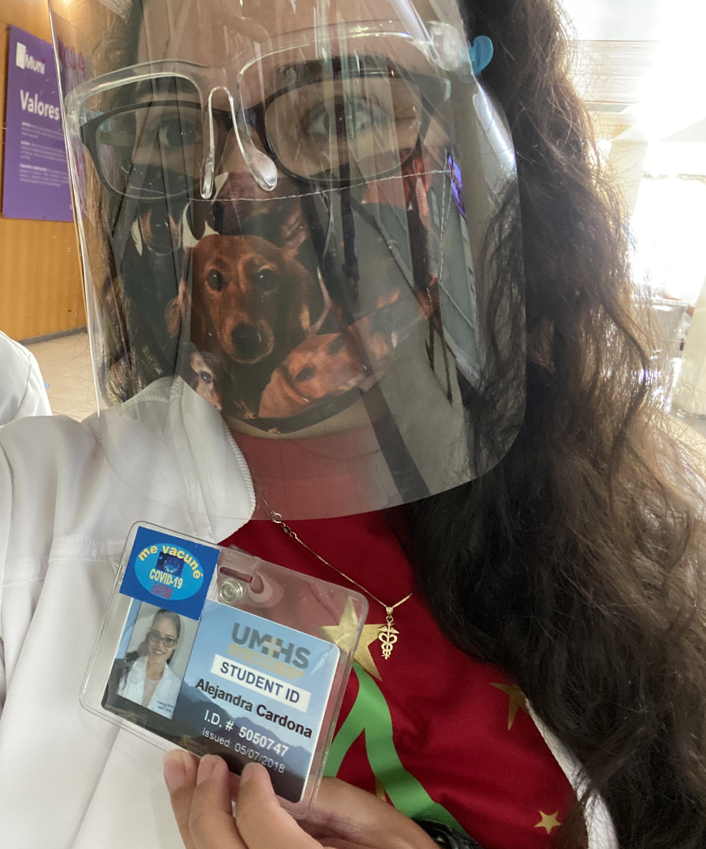 Alejandra Cardona in mask