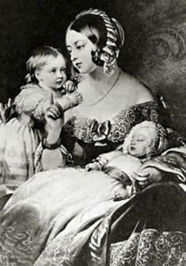 CHLOROFORM USED AS ANESTHETIC FOR QUEEN VICTORIA: Chloroform was used on Britain's Queen Victoria when she gave birth to Prince Leopold in 1853 & Princess Beatrice in 1857. Photo: Wikimedia Commons