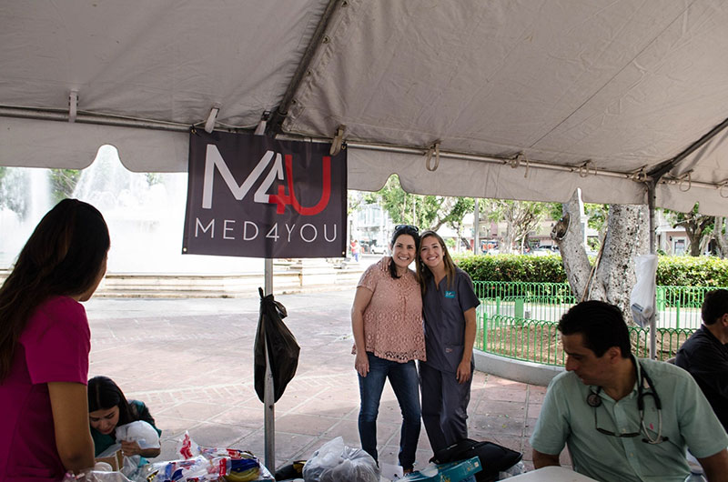 Dr. Lilian Rivera, Mentor of Med4you PHSU Chapter/Dean of Clinical Affairs PHSU & Ariana Hernandez, UMHS student & Med4you President. Photo: UMHS Med4You
