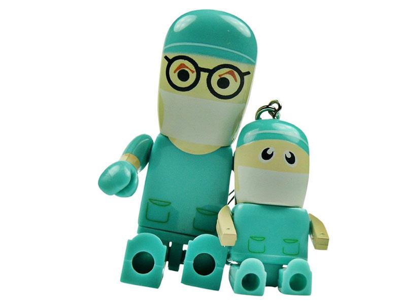 OPERATION SURGERY DOCTOR & MINI-DOCTOR FIGIURE DOLLS: 4GB USB Flash Drive from Amazon. Photo: Amazon.com