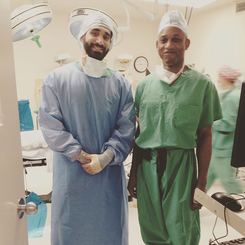 Dr. Azimi-Ghomi at work with Dr. Charity Uhunmwangho, one of the attending physicians during rotations in Augusta, GA. Photo: Courtesy of Dr. Azimi-Ghomi