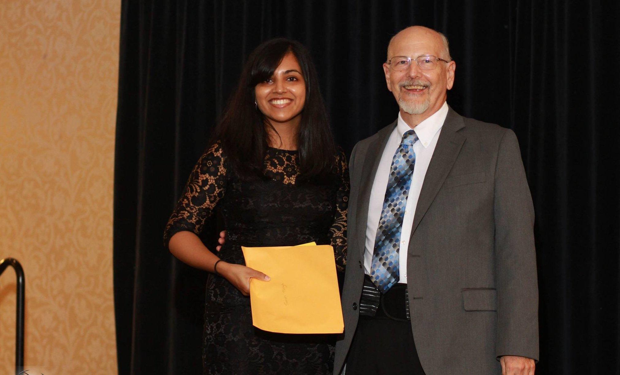 Sarah Singh accepting Robert Ross Scholar Award-1