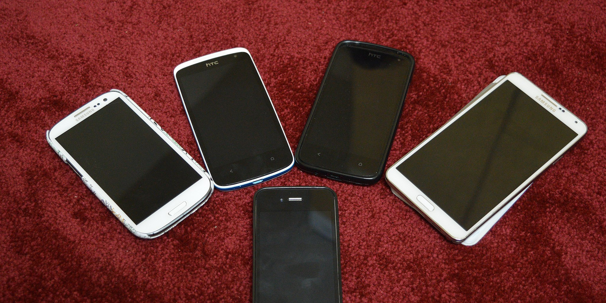 5_different_Smartphones