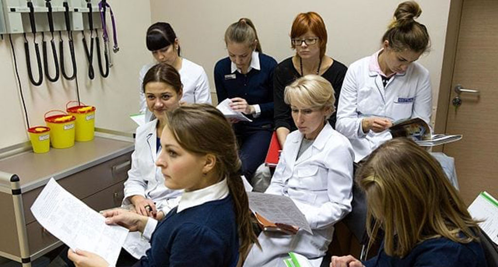 Training_of_friendly_doctor-B-Globa-Wikimedia-Commons